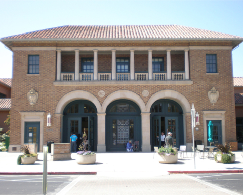 Redwood City Library offering free drop-in computer assistance