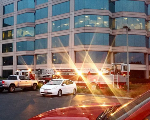 Firefighters douse blaze in Redwood Shores commercial building Thursday morning