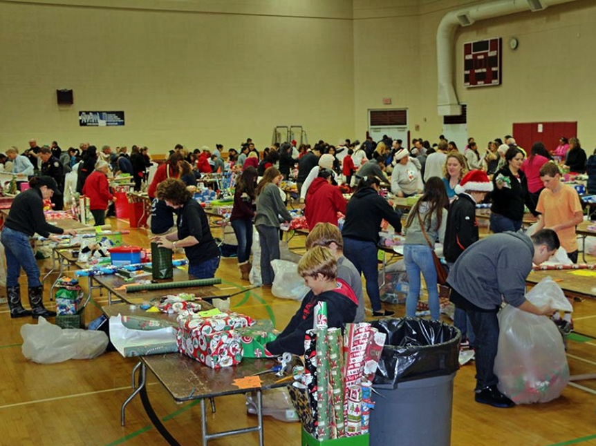 Redwood City/San Mateo County Holiday Toy and Book Drive seeks donations
