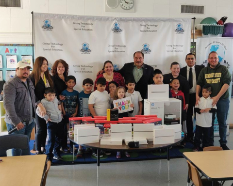 iPad minis donated to Redwood City school's special ed program