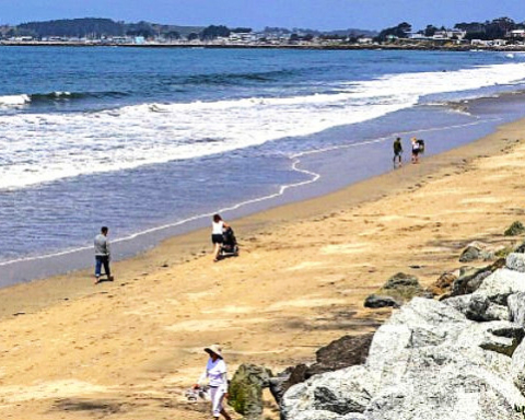 'Unacceptable' behavior prompts Half Moon Bay to reopen beach parking lots, restrooms