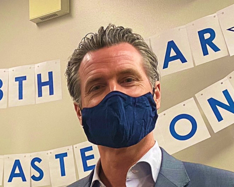 Newsom issues statewide mandate on face coverings