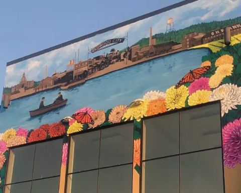 Stunning mural at Roosevelt Plaza takes shape