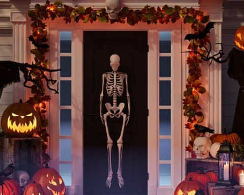 San Carlos challenges homes and businesses to decorations contest